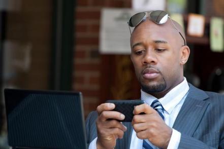 black_man_cell_phone